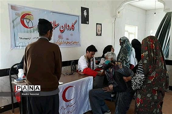 اعزام 3 کاروان سلامت توسط جمعیت جوانان هلال احمر به مناطق آسیب دیده از سیلاب استان