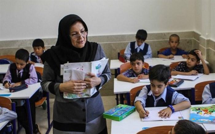 معلمان برای اجرای برنامه ویژه مدرسه آموزش می بینند