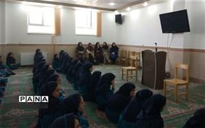 بزرگداشت مقام معلم در دبیرستان دکتر شاهی