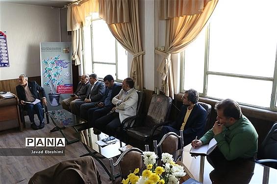 جلسه هماهنگی ساماندهی و نظارت بر پوشاک دانشآموزی  خراسان رضوی