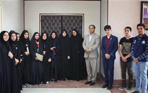 دیدار منتخبان سازمان دانش آموزی با فرماندار ابرکوه