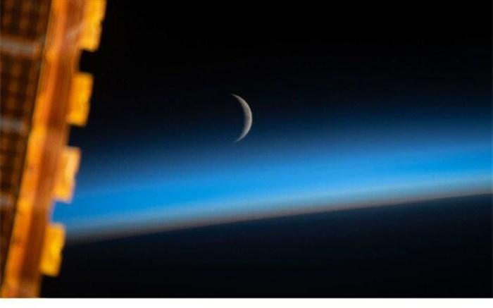 آرامش ماه در فضا