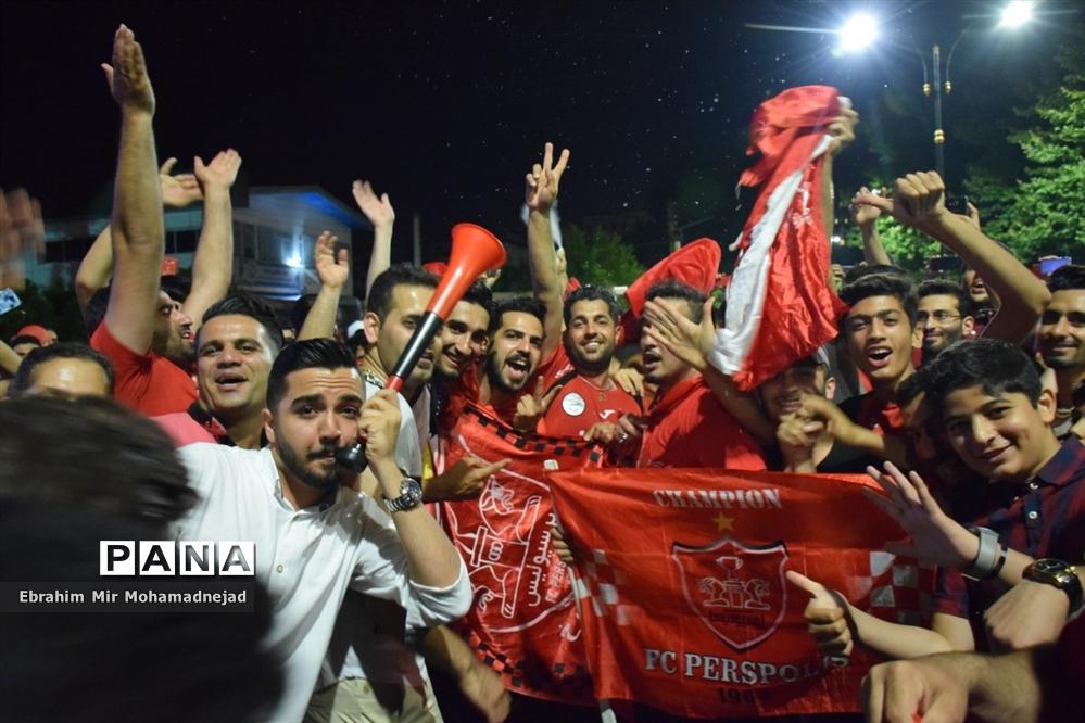 شادی پرسپولیسیهای بابل برای  قهرمانی در لیگ برتر