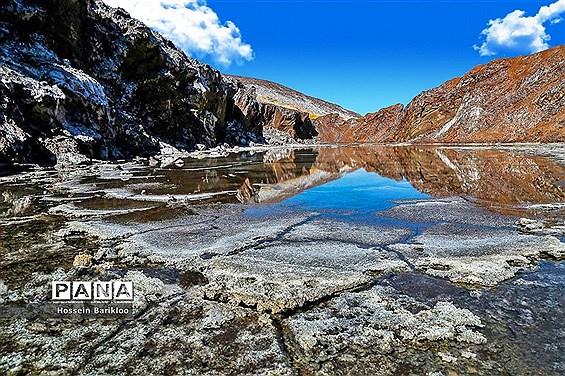گنبد نمکی قم، تنها گنبد نمکی متقارن جهان