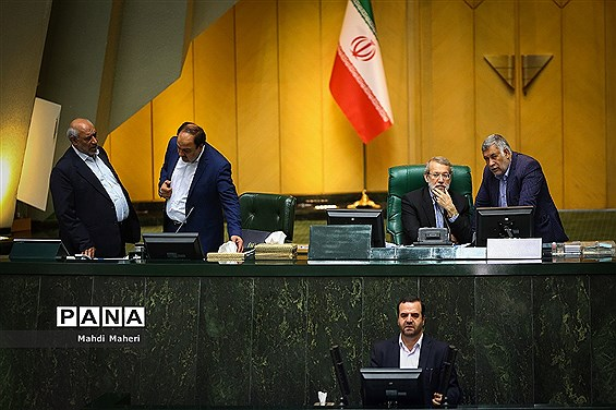 دست برتر  اصولگرایان در هیأت رئیسه مجلس + اسامی کامل