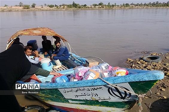 ارسال و توزیع کمکهای کارشناس مسئول اموربانوان آموزش و پرورش خوزستان