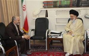 دیدار فرماندار قم با آیت الله حسینی بوشهری، دبیر  شورای عالی حوزههای علمیه