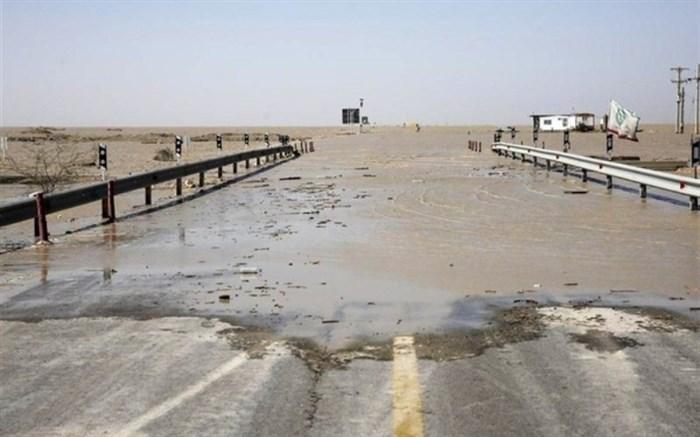 سیل و تخریب جاده ها