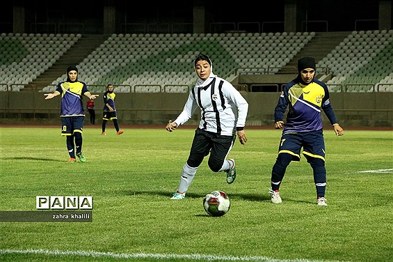 دیدار تیم های  زاگرس شیراز و پالایش گاز ایلام از هفته هفدهم لیگ فوتبال بانوان ایران