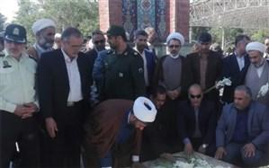 همزمان با سالروز آزادسازی خرمشهر، مزار شهدای گمنام قرچک گلباران شد