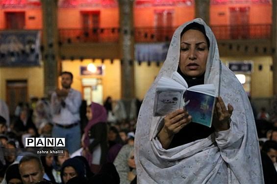 شب زندهداری مردم شیراز در جوار حرم مطهر شاهچراغ(ع)