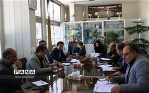 جلسه ساماندهی و نظارت بر لباس فرم دانش آموزان در اداره کل تهران تشکیل شد