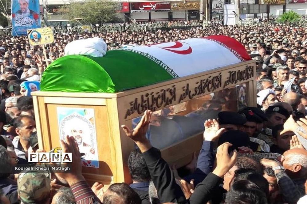 مراسم تشییع پیکر امام جمعه شهرستان کازرون