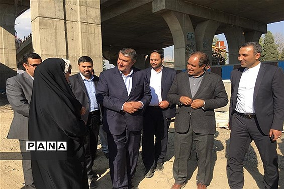 بازدید وزیر راه و شهرسازی از پل ورودی  شهرقدس