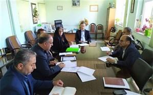مدیر کل آموزش و پرورش کردستان یکی از برنامه های مهم مدرسه محوری را توانمند سازی نیروی انسانی عنوان کرد