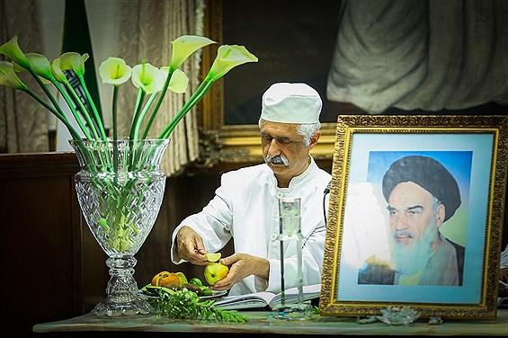 نیایش و ادای احترام  زرتشتیان در سی امین سالگرد ارتحال حضرت امام خمینی (ره)