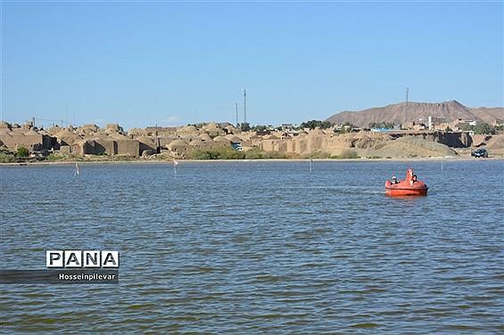 رنج کشیدن دریاچه مصنوعی گواب شهرستان خوسف