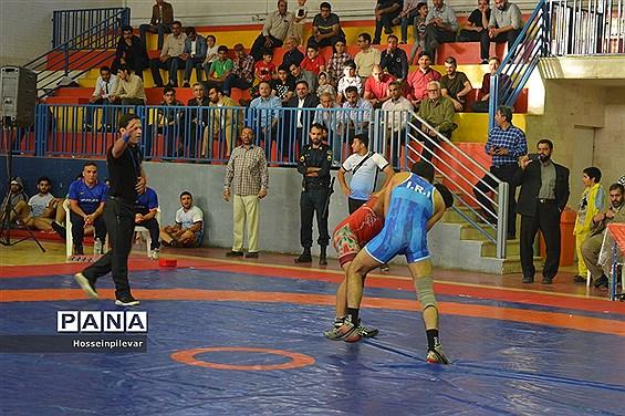 برگزاری مسابقات کشتی لیگ دسته یک کشور در بیرجند
