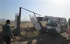 ساخت و سازهای غیرمجاز در حریم اراضی نجم آباد با دستور دادستان تخریب شد
