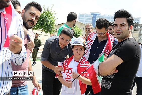 شور و شوق مردم عاشقان والیبال قبل از بازی تیم ملی ایران