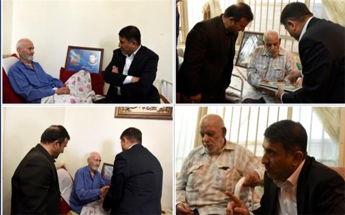 استاندار البرز با خانواده معظم شهداء دیدار  کرد
