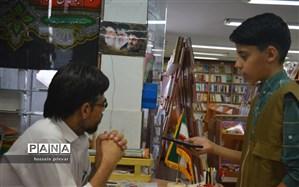 متصدی کتابفروشی شهرکتاب:  اغلب مراجعه کنندگان کودکان و نوجوانان هستند