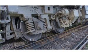 قطار اهواز هنگام مانور از خط خارج شد + تصویر