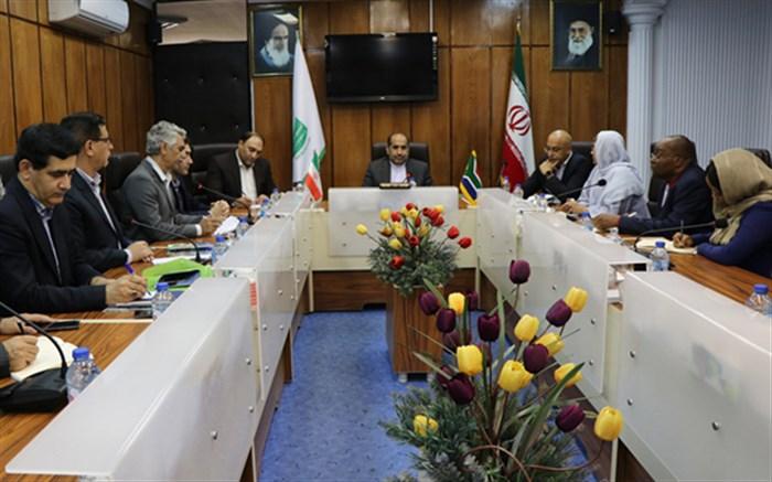 توسعه همکاریهای آموزشی و تربیت معلم بین ایران و آفریقای جنوبی