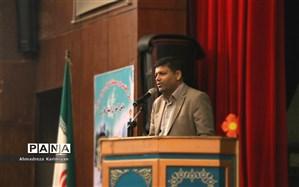 مدارس مرکز اصلی آموزش و نشر قرآن کریم هستند