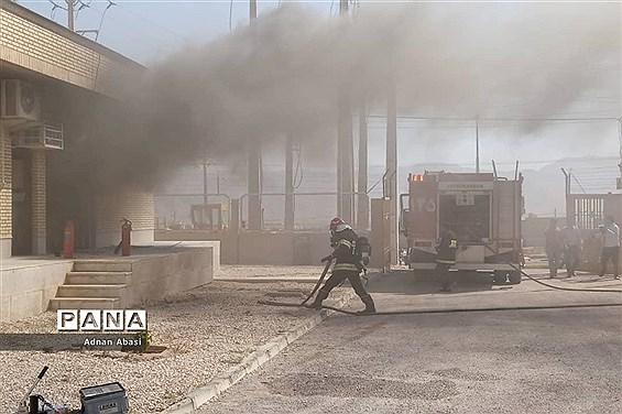 مهار آتش سوزی ایستگاه برق گلهدار
