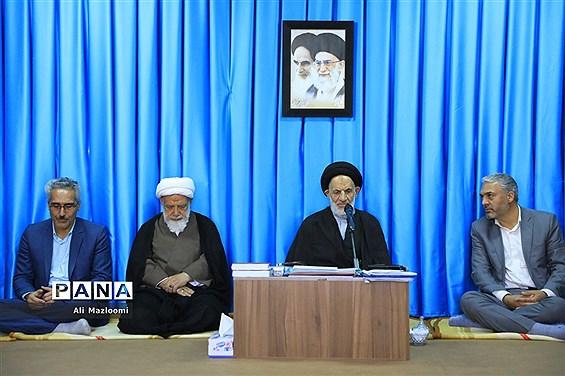 دیدار اعضای شورای هماهنگی مبارزه با مواد مخدر استان با نماینده ولی فقیه