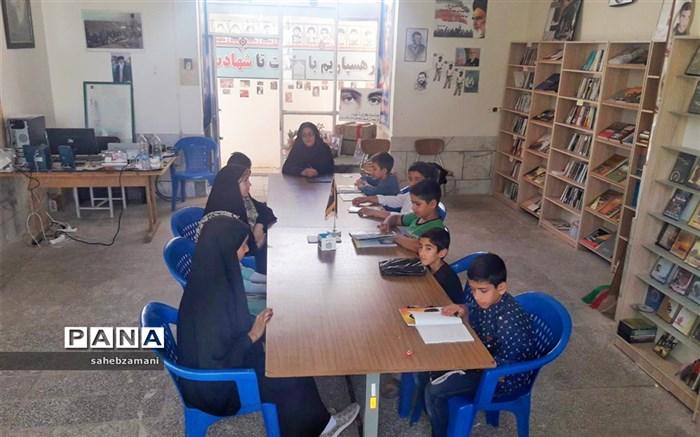کلاس نویسندگی در فرهنگسرای دفاع مقدس کاشمر