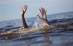اعضای یک خانواده به داخل رودخانه کرج سقوط کردند