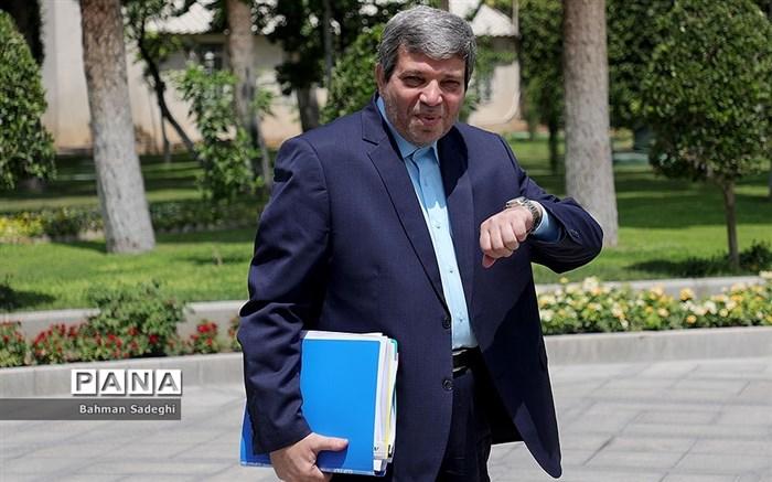سرپرست وزارت آموزش و پرورش: کتابهای درسی برای اول مهر چاپ شده و در حال توزیع است