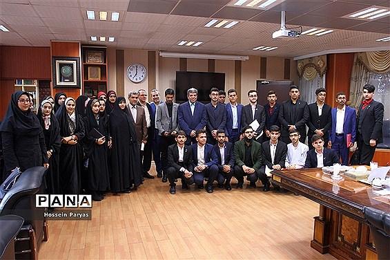 دیدار نمایندگان نهمین دوره مجلس دانش آموزی با سرپرست وزارت آموزش و پرورش