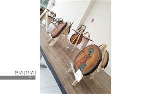 نمایشگاهی با طعم چوب و هنر/مربی هنر سما شیروان نخستین نمایشگاه نقاشی روی چوب را برگزار کرد.
