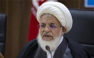 امام جمعه یزد: غربیها از زن برای خوش گذارانی و شهوت رانی خود استفاده میکنند