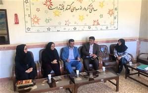 بازدید سرزده مدیر کل آموزش و پرورش استان زنجان از دبیرستان عفت شهر گرماب