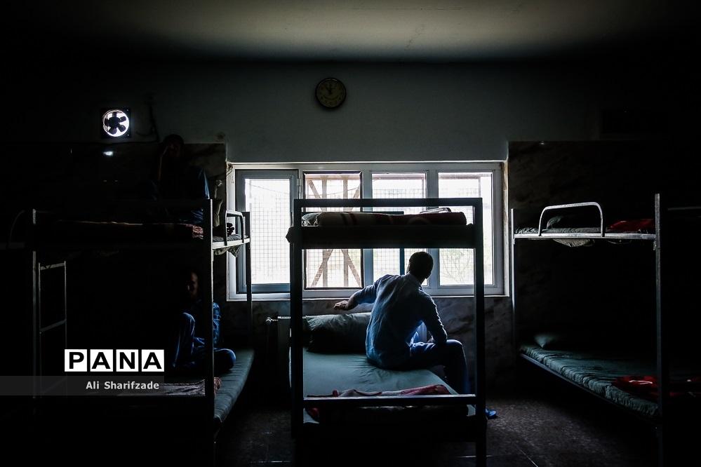 بازدید خبرنگاران از مرکز درمان اعتیاد ماده 16