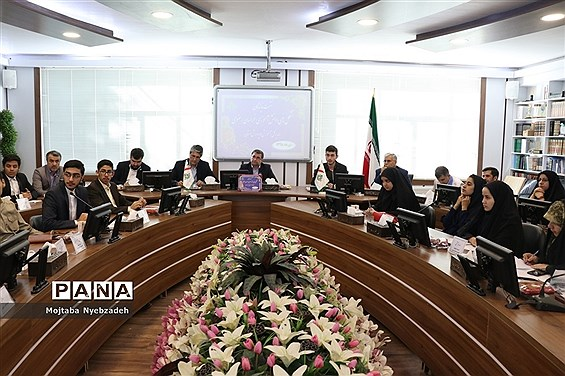 نشست نمایندگان تشکلهای دانشآموزی خراسان رضوی با مدیرکل آموزش و پرورش استان