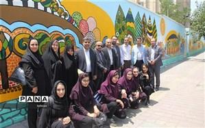 بازدید معاون متوسطه شهر تهران از موفقیت های هنرستانی در منطقه13