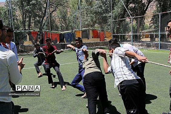 مهارت های ورزشی پیشتازان پسر در اردوی تشکیلاتی
