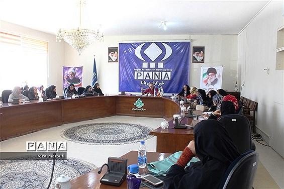 دوره آموزشی خبرنگاری، عکاسی و فن بیان  ویژه مسئولان انجمن اسلامی دانشآموزان دختر ارومیه