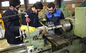 مهارت آموزی شاغلان فاقد مهارت از اولویت برنامه های آموزشی فنی و حرفه ای است