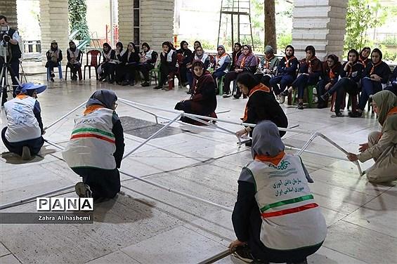 اردوی پیشتازان شهر تهران با شعار همفکری، همدلی و همکاری