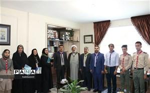 دیدارمدیرسازمان دانش آموزی استان اصفهان با مدیرآموزش وپرورش شهرضا