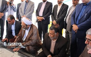 رئیس سازمان پژوهش و برنامه ریزی آموزشی به مقام شامخ شهدای زاهدان ادای احترام کرد