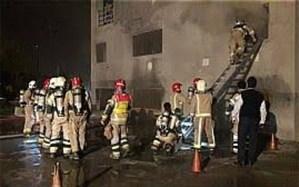 آتش سوزی در برج ۱۲ طبقه و عملیات نجات ۵ محبوس در آسانسور