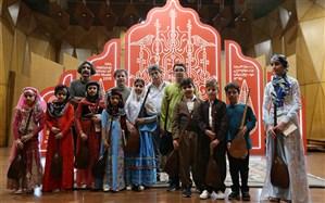 طنین نوای تنبور در جشنواره ملی موسیقی جوان