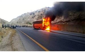 اتوبوس حامل ۴۰ دانشجوی دختر در تفت آتش گرفت